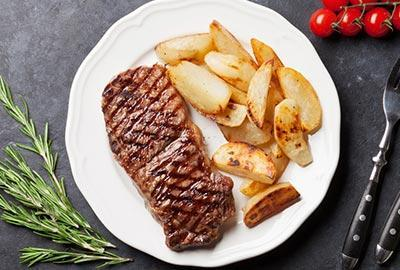 Sirloin Steak mit Bratkartoffeln