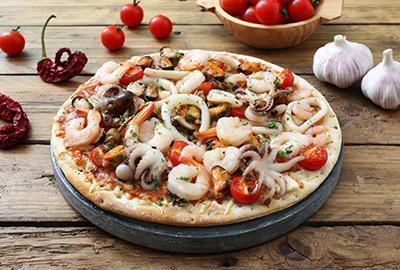 Pizza ai frutti di mare (Pizza mit Meeresfrüchten) Rezept
