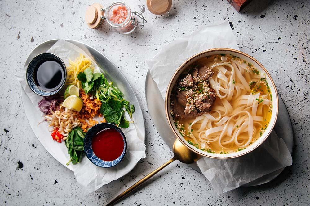 Entenbrust in der Pho Suppe