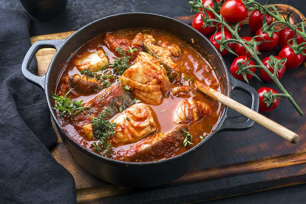 Makrele mit Paprika und Tomaten