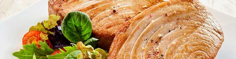 Thunfischsteak gegrillt mit gemischtem Salat Rezeptidee